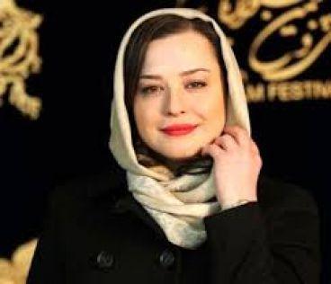 مهراوه شریفی نیا جایزه بین المللی گرفت